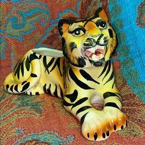 Beautiful vintage Ceramic Bengal Tiger Planter